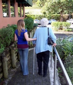 aider-les-personnes-agees_2548822